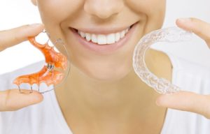 two types of dental retainers